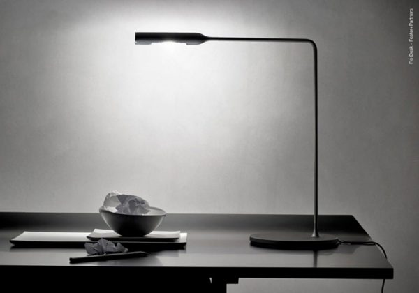 Lumina Flo Desk